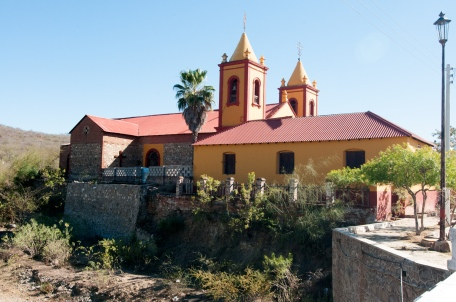 El_triumpho_church